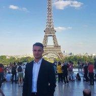 Błażej Ciecierski podczas pobytu w Paryżu na VSS.