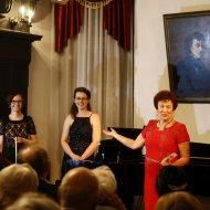 Justyna Grudzińska – kontrabas, Agnieszka Zick – fortepian
