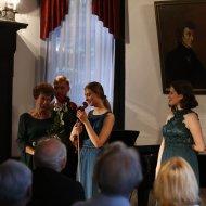 Małgorzata Miszkiewicz - sopran, Kaja Kotarska - skrzypce, Andrzej Zawadzki - fortepian