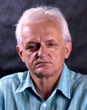 Prof. Jerzy Wojewoda z Wydziału Mechanicznego PŁ