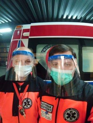 Przyłbice z PŁ używane przez ratowników medycznych