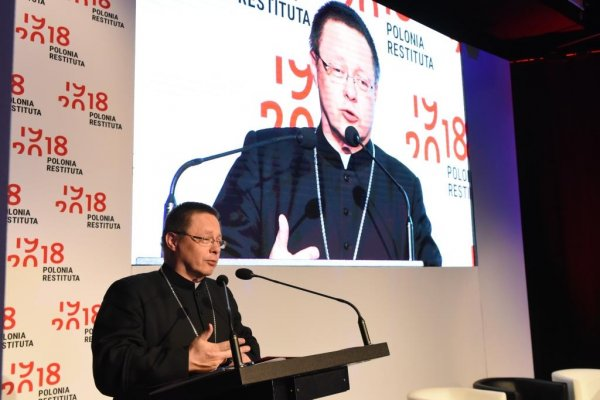 Ksiądz abp metropolita łódzki Grzegorz Ryś, podczas konferencji Polonia Restituta na PŁ.