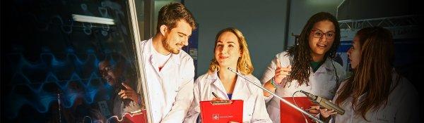 Studenci na Wydziale Inżynierii Procesowej i Ochrony Środowiska PŁ