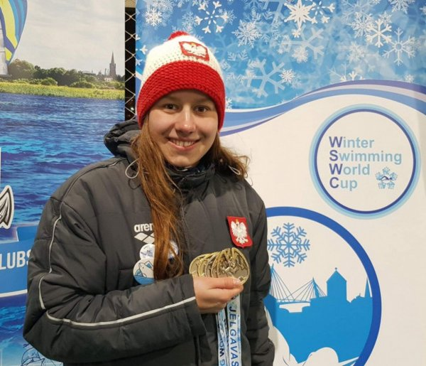 Mistrzyni zimowego pływania zPŁ - Ola Bednarek