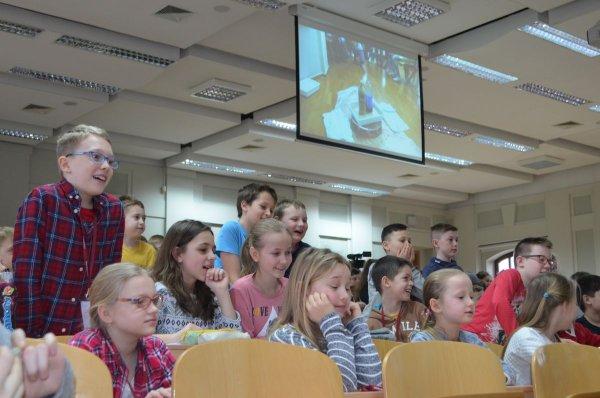 Najmłodsi studenci na PŁ, uczestnicy ŁUD podczas wykładu, fot. Małgorzata Urbaniak
