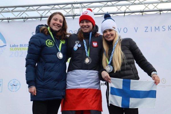 Ola Bednarek studentka PŁ, podczas wręczenia medali na MŚ w Słowenii