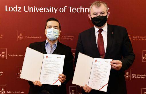 Rektor prof. Krzysztof Jóźwik i prezes Whirlpool Company Polska Fabio Pommella